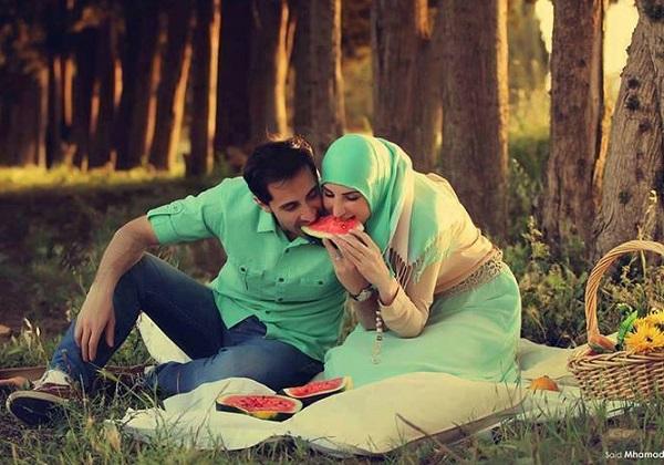 10 CARA UNIK MENJADI SUAMI ROMANTIS