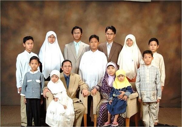Ketua Umum PPP Wikipedia: Keluarga Bahagia Idaman Semua
