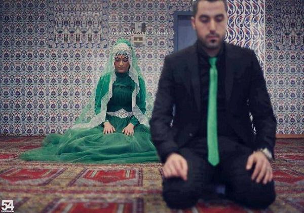 Image result for berjamaah dengan istri