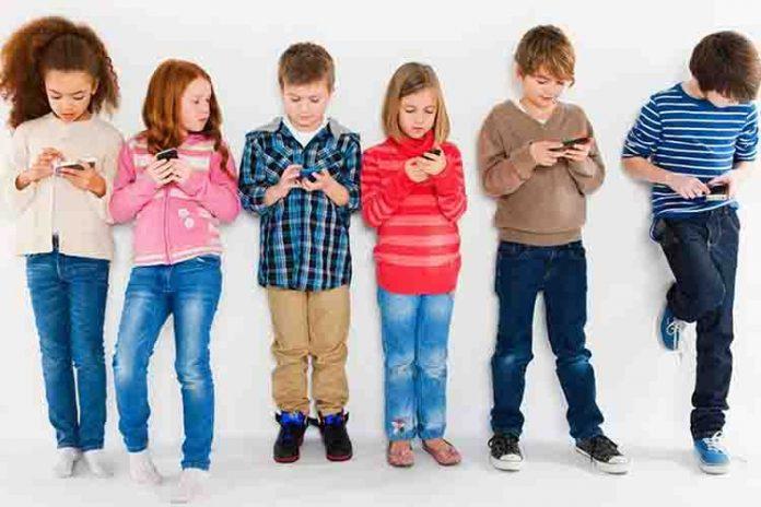mengapa anak kecanduan gadget